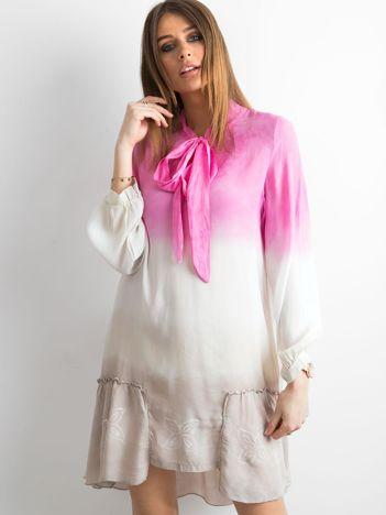 Różowa sukienka ombre
