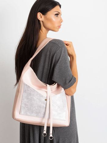 Różowa torba z metaliczną kieszenią