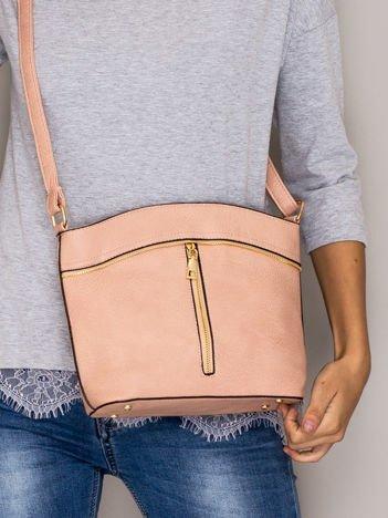Różowa torebka ze złotymi suwakami