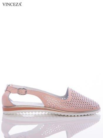 Różowe ażurowe sandały Vinceza z ozdobnym zapięciem na boku cholewki