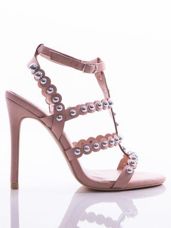 Różowe sandały na szpilkach zapinane w na kostce, zdobione srebrnymi koralikami