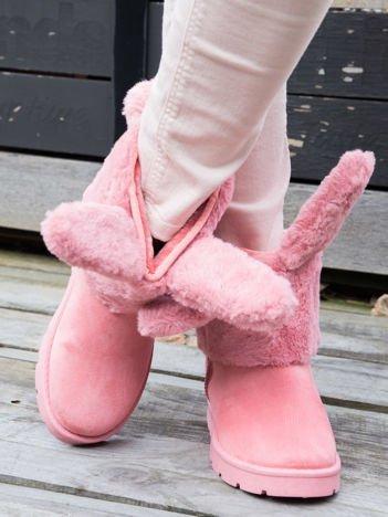 """Różowe śniegowce z grubym futrzanym kołnierzem i """" króliczymi"""" uszami i ogonkiem"""