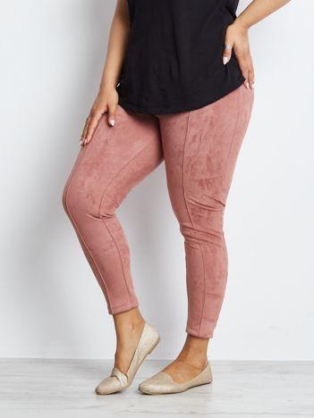 Różowe spodnie plus size Habitance