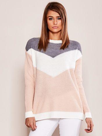 Różowo-szary sweter w bloki kolorów
