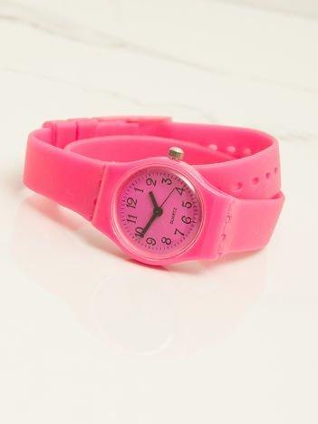 Różowy mały silikonowy zegarek damski owijany wokół nadgarstka