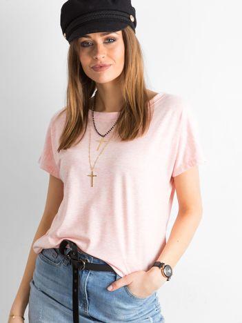 Różowy melanżowy t-shirt z dekoltem na plecach