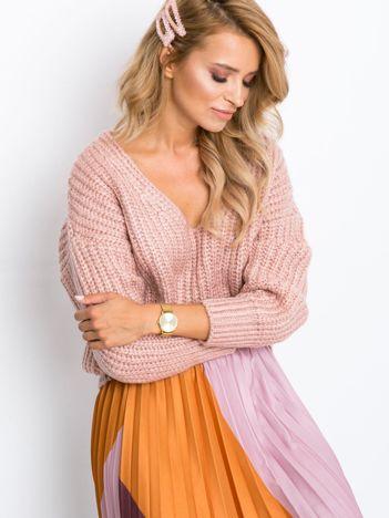 Różowy sweter Perrie