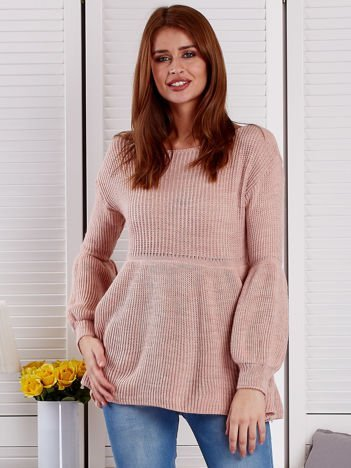Różowy sweter z bufiastymi rękawami