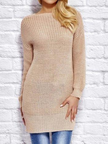 Różowy sweter z wiązaniem
