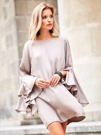 SCANDEZZA Beżowa sukienka z hiszpańskimi rękawami