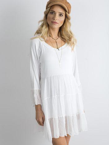 SCANDEZZA Biała luźna sukienka