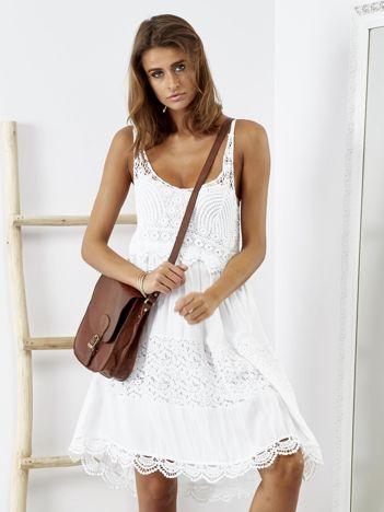 SCANDEZZA Biała sukienka boho z ażurowymi wstawkami