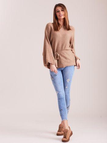 SCANDEZZA Brązowy sweter z szerokimi rękawami