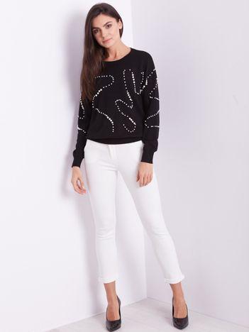 SCANDEZZA Czarny sweter z perełkami