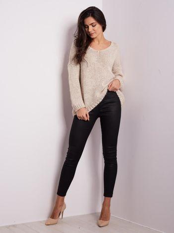 SCANDEZZA Jasnobeżowy luźny sweter