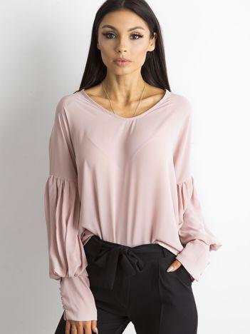 SCANDEZZA Różowa bluzka z szerokimi makietami