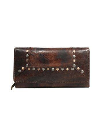 Skórzany ciemnobrązowy portfel z ćwiekami