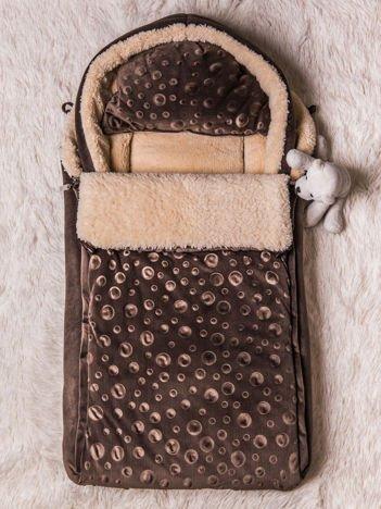 Śpiworek niemowlęcy do wózka lub łóżeczka z poduszeczką ocieplany na futerku brązowy
