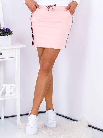 Spódnica różowa z lampasami tricolor