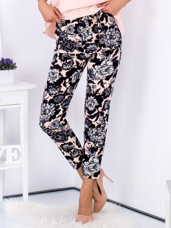 Spodnie czarne w kwiatowe wzory