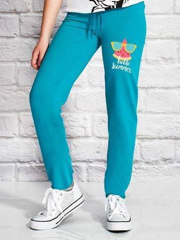 Spodnie dresowe dla dziewczynki z kolorowym arbuzem zielone