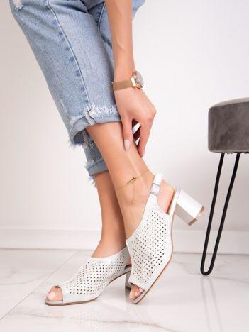 Srebrne ażurowe sandały SERGIO LEONE z połyskującym efektem