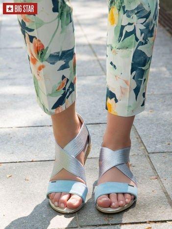 Srebrne sandały BIG STAR z błękitnym paskiem z przodu