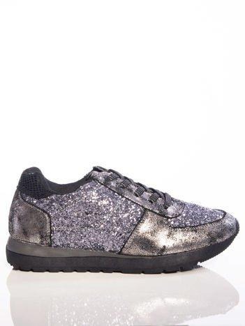 Srebrne sportowe buty z brokatem na sprężystej podeszwie