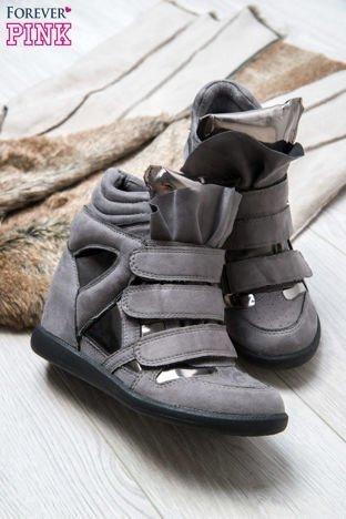 Srebrne zamszowe sneakersy damskie na rzepy Verity z lustrzanymi wstawkami
