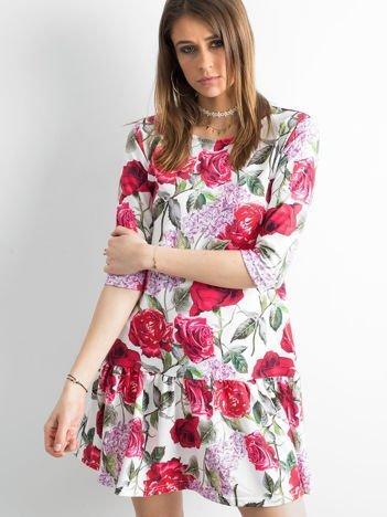 Sukienka biała w duże kolorowe kwiaty