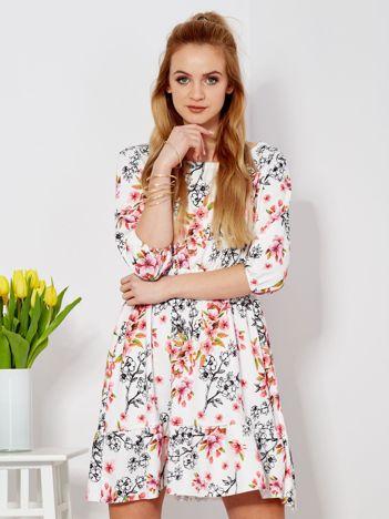 Sukienka biała z gumką w pasie w kwiaty