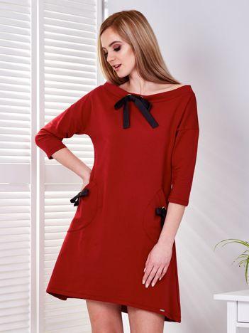Sukienka ciemnoczerwona z kokardkami