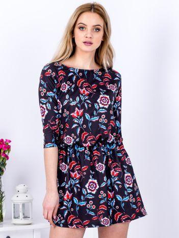 Sukienka czarna marszczona w kwiaty