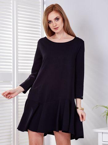 Sukienka czarna z szeroką falbaną i dekoltem łezką z tyłu