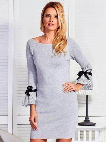 Sukienka damska z kokardkami na rękawach szara
