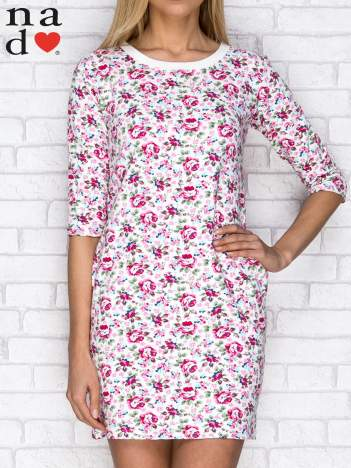 Sukienka dresowa w kwiatki z kieszeniami ecru