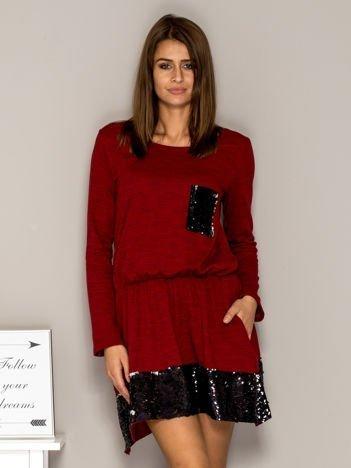Sukienka dresowa z cekinowymi wstawkami czerwona
