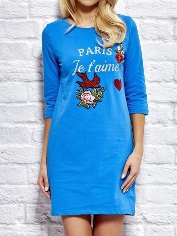 Sukienka dresowa z naszywkami niebieska