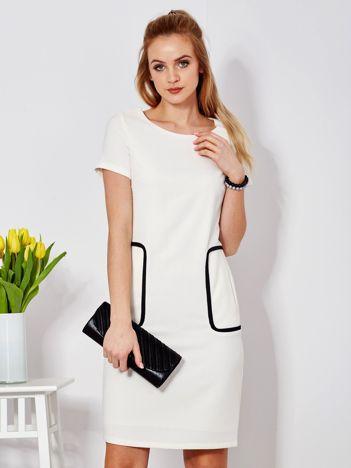 Sukienka ecru z kieszeniami