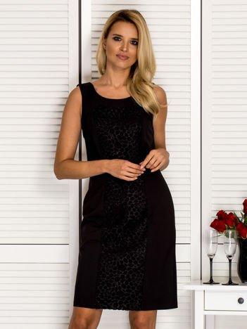 Sukienka koktajlowa princeska z ozdobnym przodem czarna