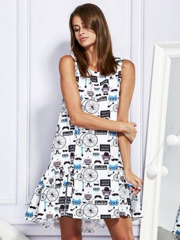 Sukienka w młodzieżowy nadruk z suwakiem biało-niebieska