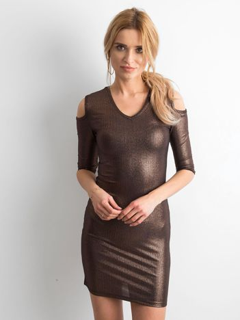 Sukienka ze złotym połyskiem