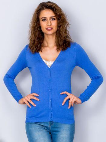 Sweter niebieski na guziki