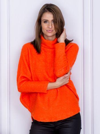 Sweter pomarańczowy z dłuższym włosem