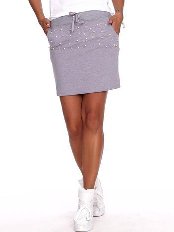 Szara dresowa spódnica z perełkami