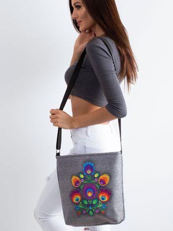 Szara filcowa torba z folkowym nadrukiem