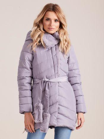 Szara pikowana kurtka zimowa z futerkiem