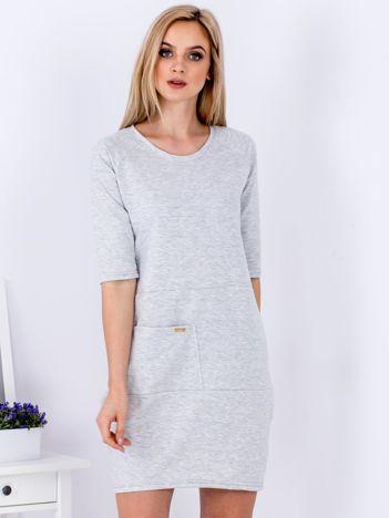 Szara sukienka z kieszenią