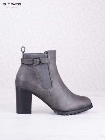 Szare cieniowane botki eco leather Emma z ozdobną klamerką na słupku