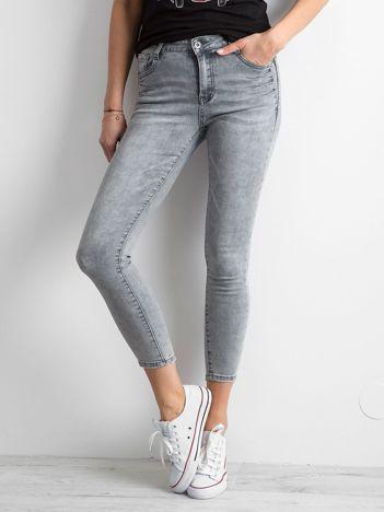 Szare jeansy damskie z efektem sprania